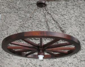 Lampa 1pkt na podstawie koła wozu 71cm