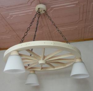 Lampa 3pkt na podstawie koła wozu 71cm