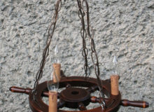 Lampa 3pkt ześwieczkami napodstawie koła sterowego 51cm