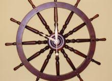 Zegar napodstawie koła sterowego 82cm