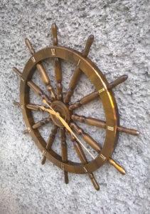 Zegar na podstawie koła sterowego 82cm,